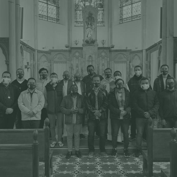 Seminaristas e formadores realizam estágio missionário